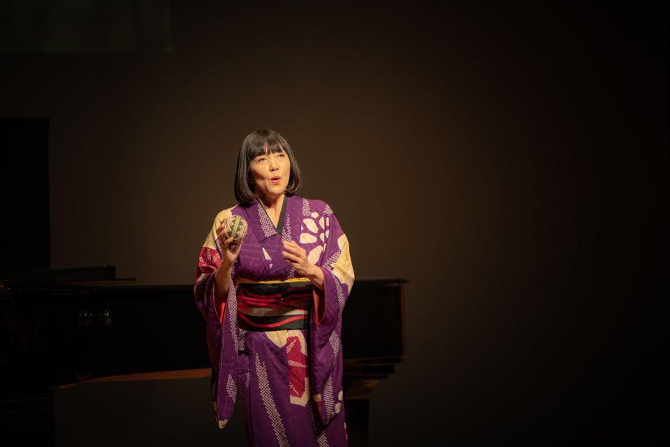平岡貴子さんによる日本の歌からスタート