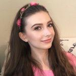 【YouTube】KAROチャンネル ウクライナ出身 カロリーナさん
