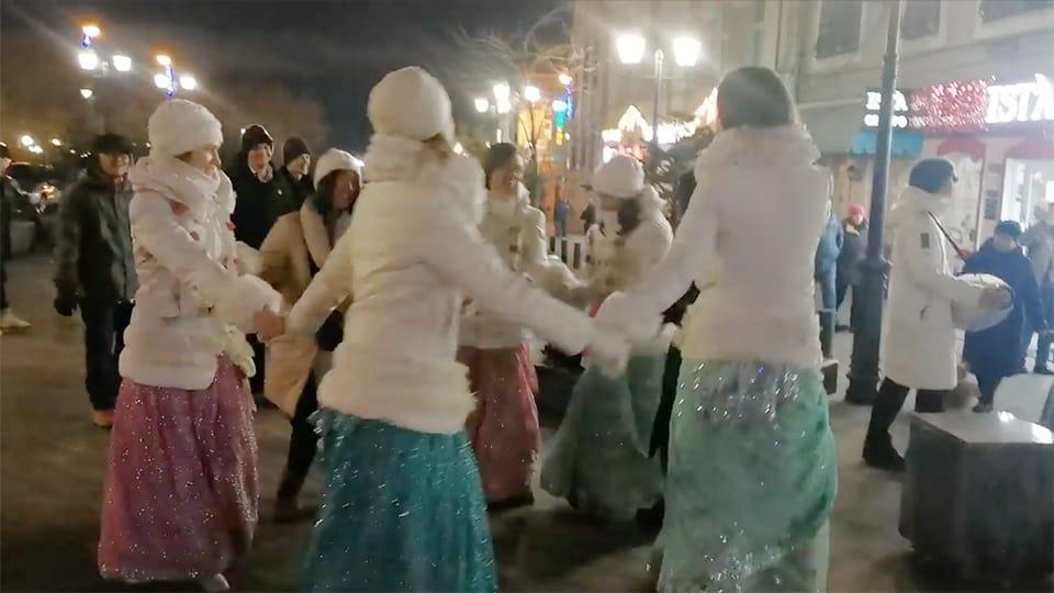 噴水通りでダンス